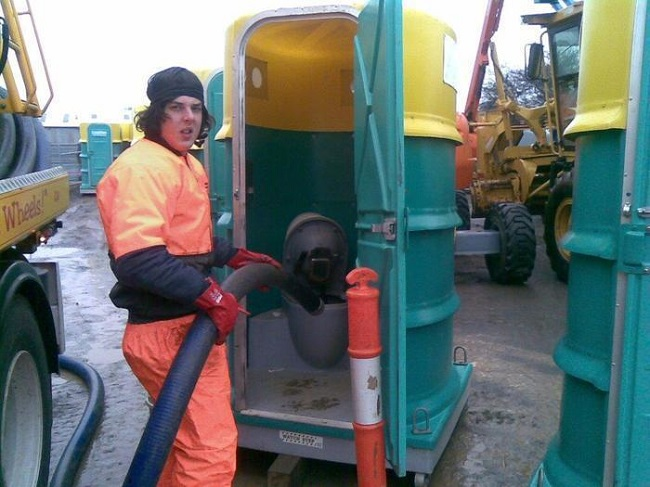 Portable toilet cleaners job