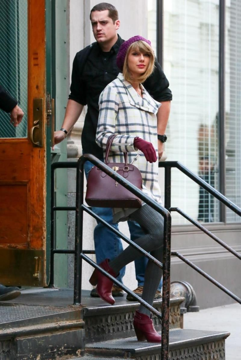 Taylor Swift and her bodyguard